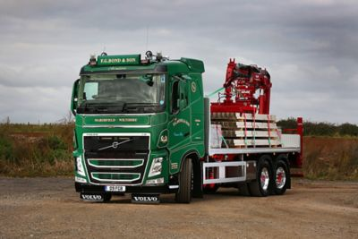 F.G. Bond & Son has taken delivery of a new Volvo FH 500 Dual Clutch 6x2 rigid.
