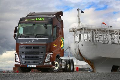 Gregory Distribution has put its first Volvo FH Globetrotter LNG (liquified natural gas) tractor units into operation.