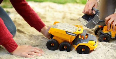 Dickie Toys in cooperation with Volvo Construction Equipment