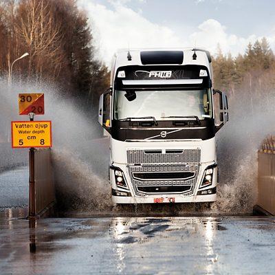 Volvo FH safety testing