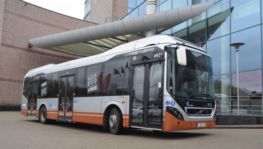 Volvo Bus continue de soutenir le parcours de l'électromobilité à Bruxelles et reçoit une commande de 128 bus hybrides