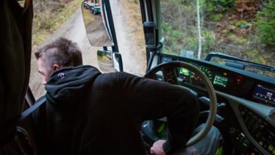 Volvo FH dynamic steering easy reversing