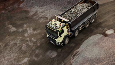 Volvo FMX dynamic steering gravel pit