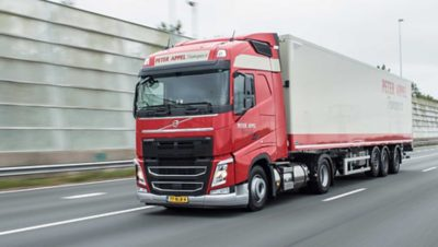 De Volvo FH LNG van Peter Appel Transport presteert als een diesel, maar met 20% minder CO2.