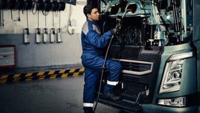 Volvo trucks services servicing contracts technician front