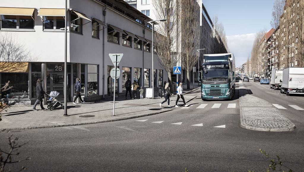 A iniciativa aumentará a segurança dos usuários das vias, alertando-os da aproximação do caminhão.