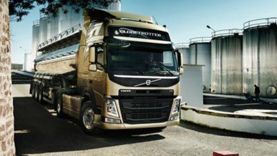 Volvo FM tridem frontview