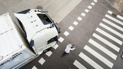 Volvo trucks zero accidents bike crossing