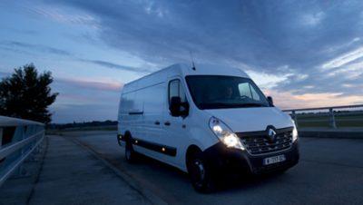 Våre Renault varebiler. Foto.
