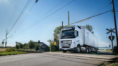 Anders Bergman har kört lastbil i 36 år och kör omkring 40 mil om dagen på västkusten runt Varberg, Falkenberg och Ullared.