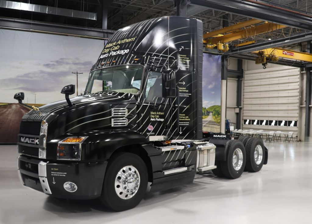 New Mack Anthem® Day Cab Roof Fairing Improves Fuel Efficiency, Total Cost of Ownership