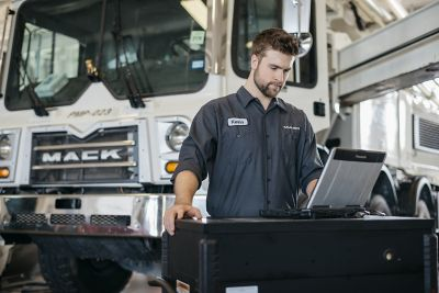Mack Trucks announced today the new Mack® Premium Service Agreement, a comprehensive maintenance program that simplifies maintenance management and helps increase uptime, optimize vehicle safety and performance and improve cost of ownership for Mack Anthem®, Mack Pinnacle™, Mack® Granite®, Mack TerraPro® and Mack® LR customers.