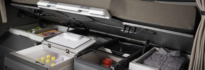 Caixas para arrumos interiores na cabina do Volvo FH