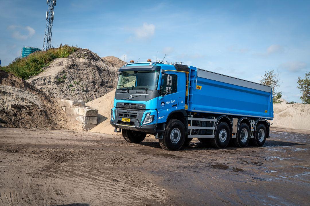Otte Lisse neemt nieuwe Volvo FMX 8x8 in gebruik
