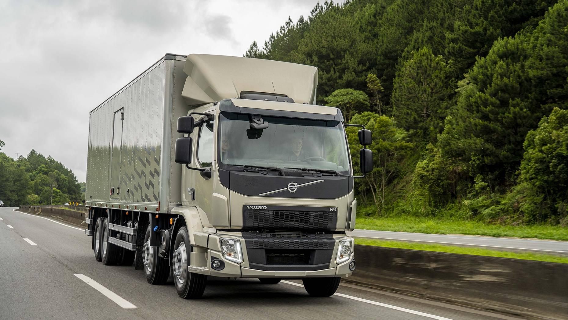 Com vendas do VM em alta, Volvo lança versão 2022 com mudanças internas na cabine