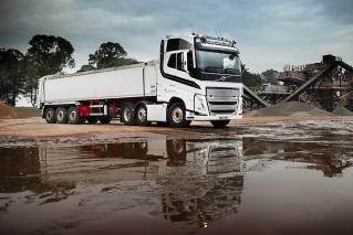 Volvo FH - Bayliss Bros