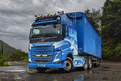 Alan Price & Sons has put a new Volvo FH 540 Dual Clutch with a Globetrotter XL cab into service, ordered specifically to reward long-standing driver, Gary Hughes