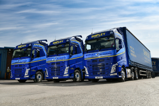 Volvo FH - Shipley Transport Services
