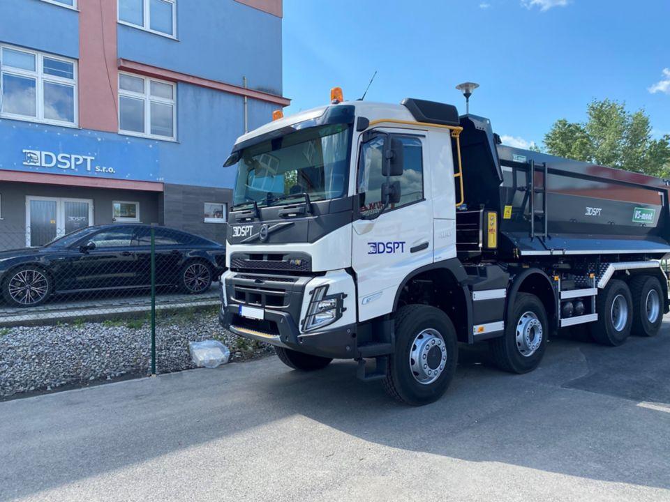 Spoločnosť DSPT s.r.o. sa stala prvým majiteľom novej generácie Volvo FMX na Slovensku
