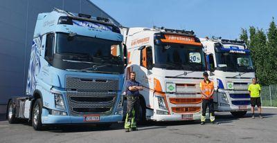 Kuljetus Arto Järvimäki Oy:llä on nykyään jo kolme kalustossa on kolme Volvo LNG puoliperävaunun vetäjää.