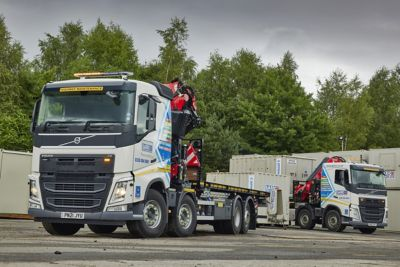 Garic has taken delivery of four Volvo FH rear-steer rigids and one Volvo FM Globetrotter 6x2 rigid