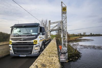 Height for Hire has taken delivery of a new Volvo FM rigid equipped with an underbridge access unit, for working beneath bridges, removing the need for scaffolding.