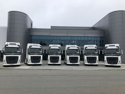 CJ Sheeran has taken delivery of six new Volvo FH 4x2 tractor units