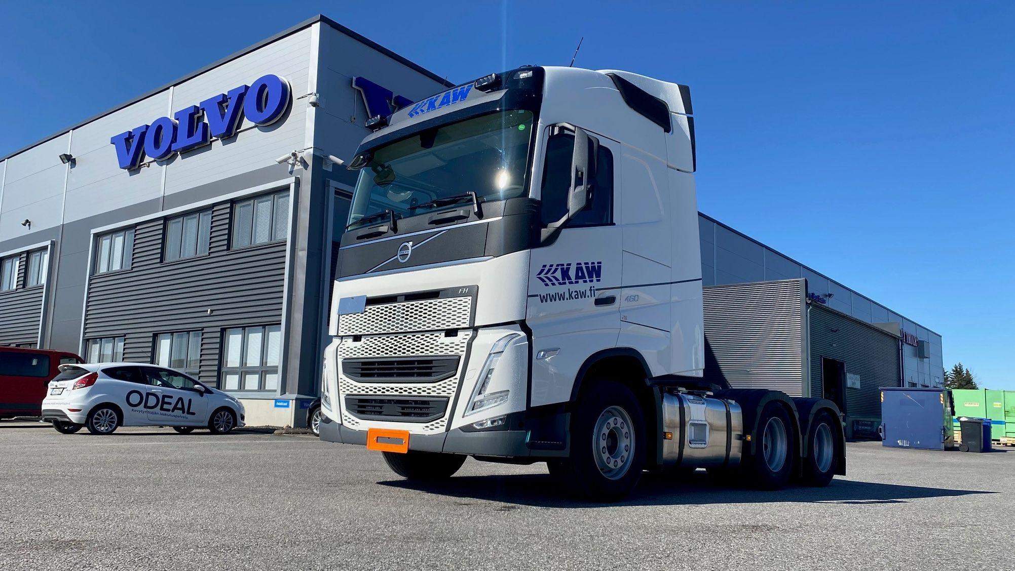 Kuljetuspalvelu All The Waylle tulee yhteensä 6 kappaletta uuden mallin Volvo FH 6 x 2460 Globe -veturia, joissa polttoainetehokkuus on viety korkealle tasolle kaikissa valinnoissa. Autoissa on mm. I-See, optimoitu perävälitys ja tyhjäkäyntipysäytys.
