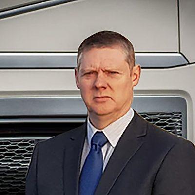 Martin Jones-Bussiness manager