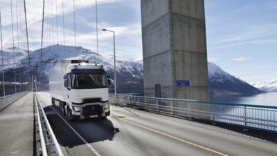 Видеоролики Renault Trucks на YouTube