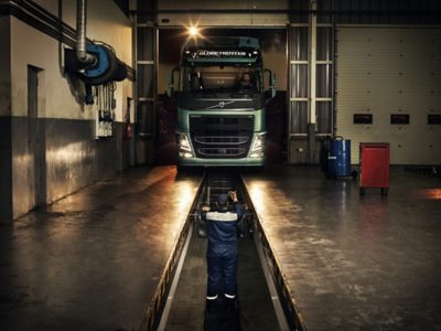 Genuine Volvo Service images connected to Volvo Trucks Services