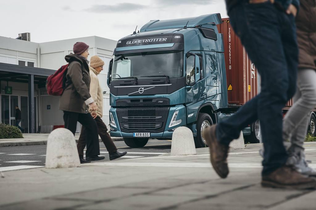 Volvo Trucks è il primo produttore a offrire Amazon Alexa sui nuovi veicoli pesanti