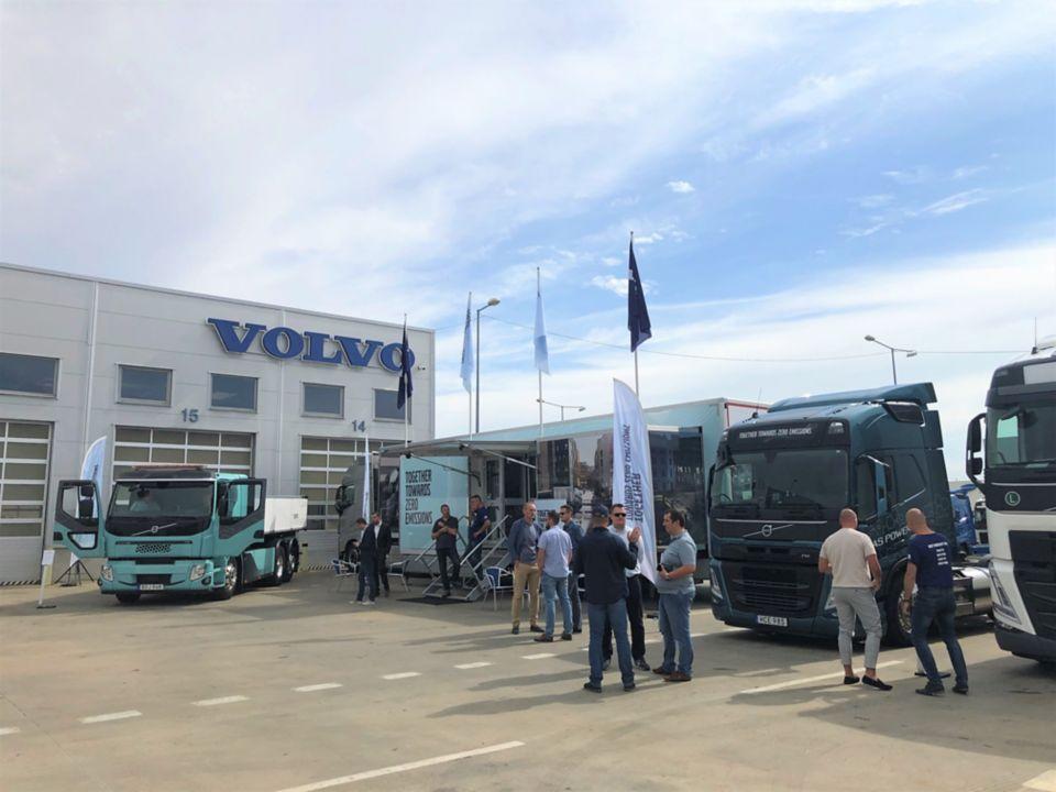 Spoločnosť Volvo Trucks organizuje online stretnutie s cieľom urýchliť prechod na elektrické nákladné vozidlá