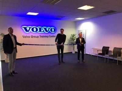 Gustav Mårgård - generální ředitel Volvo Trucks slavnostně přestřihl pásku k novému školicímu centru Volvo Group