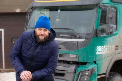 """""""Trantera"""" vadovas Aleksandr Lavrinovič nuo 2017 m. savo sunkiosios technikos bazei atnaujinti renkasi vien """"Volvo"""" sunkvežimus."""