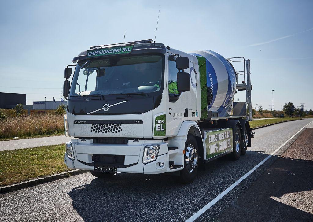 Verdens første serieproducerede Volvo Electric betonbil til Unicon A/S