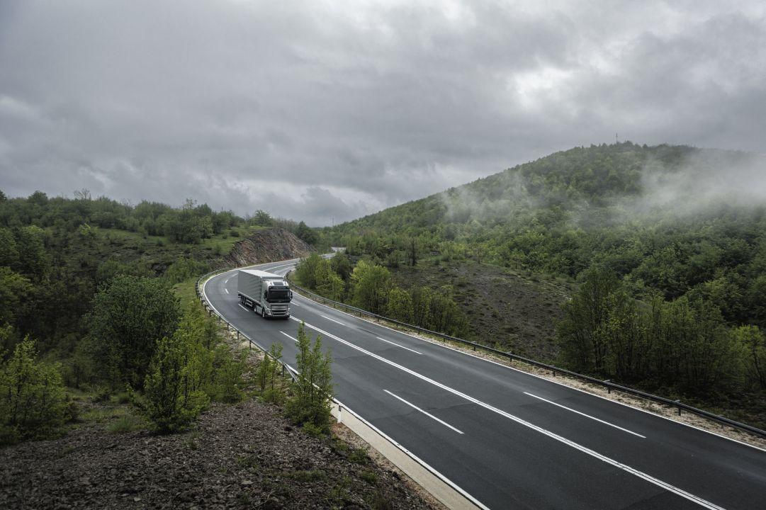 I camion elettrici a sostegno dell'energia solare ed eolica. Ecco perché