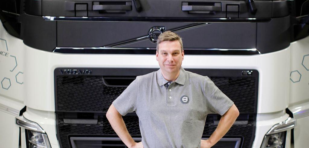 """Tommy Lindholm, Jälkimarkkinointijohtaja Volvo Finland Ab: """"Aika on haastava, mutta myös tässä tilanteessa kuljetusyritykset voivat luottaa siihen, että Volvo korjaamoverkosto toimii""""."""