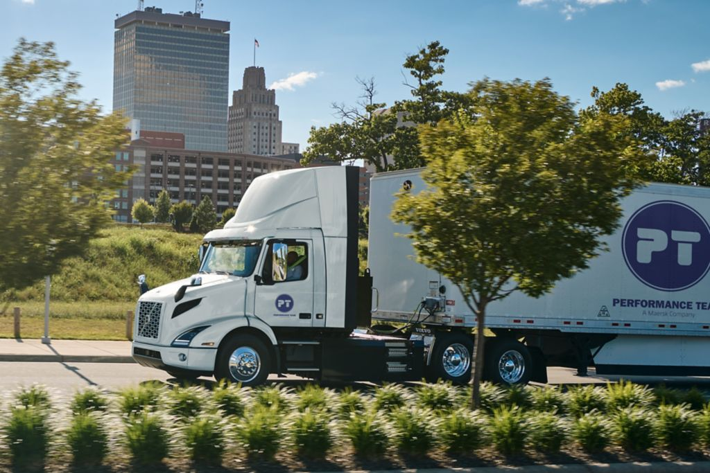 Volvo Trucks' Customer Performance Team – A Maersk Company Places Largest Order of VNR Electric Models to Date