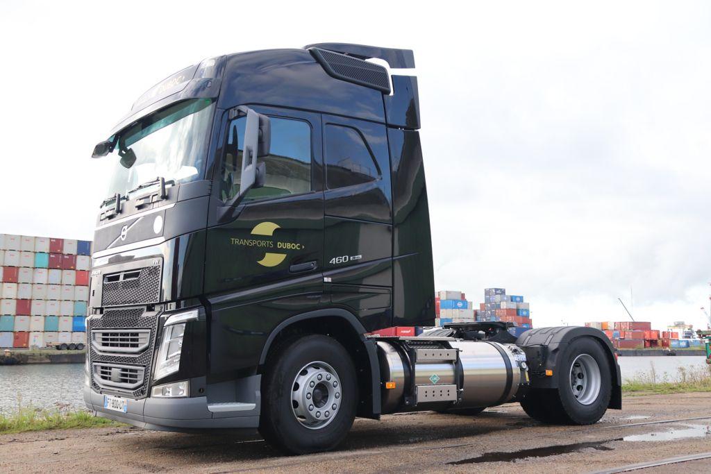 Volvo Trucks accompagne les Transports DUBOC dans leur transition énergétique