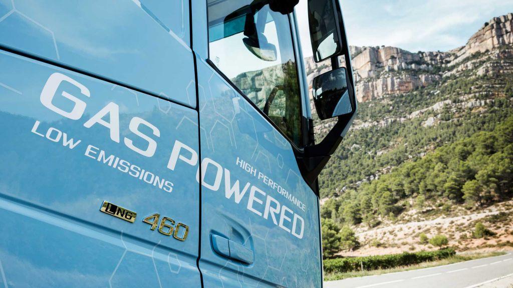 LNG-Lkw von Volvo Trucks fahren bis Ende 2023 mautbefreit