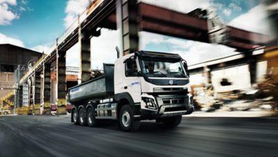 Experimente la calidad de un camión alquilado de Volvo