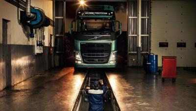 Volvo trucks dealer euro 6 service contracts