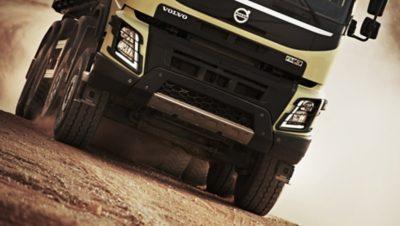 Volvo FMX diesel engines front
