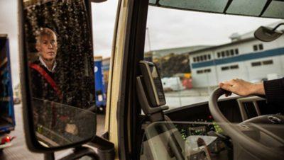 Volvo FM dynamic steering reflection backwards