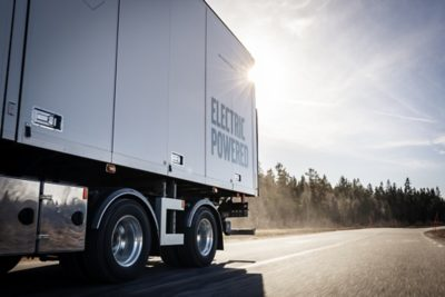 A majority of regional transports within the EU is by truck. Increased use of electric vehicles for regional distribution would result in significant climate gains, providing that the electricity is fossil-free.
