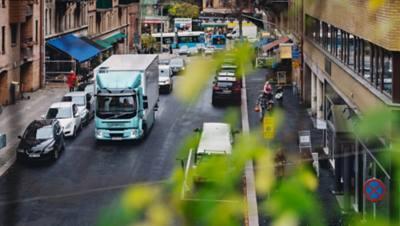 Les camions électriques Volvo FL et Volvo FE sont principalement utilisés pour la distribution en ville, comme c'est le cas pour ICA.  Les modèles ont été parmi les premiers camions électriques à entrer en production en série, déjà en 2019.