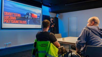 Timo Mäkelän mukaan polttoaineensäästöpotentiaali syntyy silloin, kun kuljetusyhtiö on optimoinut kuljetuskaluston ja kouluttanut kuljettajat kuljetustehtävän mukaisesti.