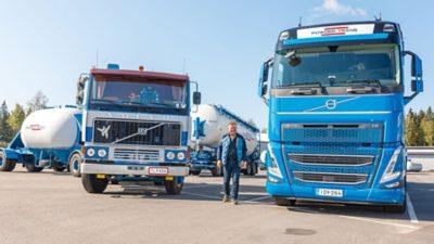 Powder-Trans Ab Oy:n hallituksen puheenjohtaja Carl-Johan Blomqvist saapui paikalle entisöidyllä ja täysissä voimissa olevalla vuosimallin 1978 Volvo F12 6x2 bulkkiyhdistelmällä.