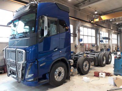 Pertti Kanasen Volvo FH16 Alucarilla päällirakennuksessa